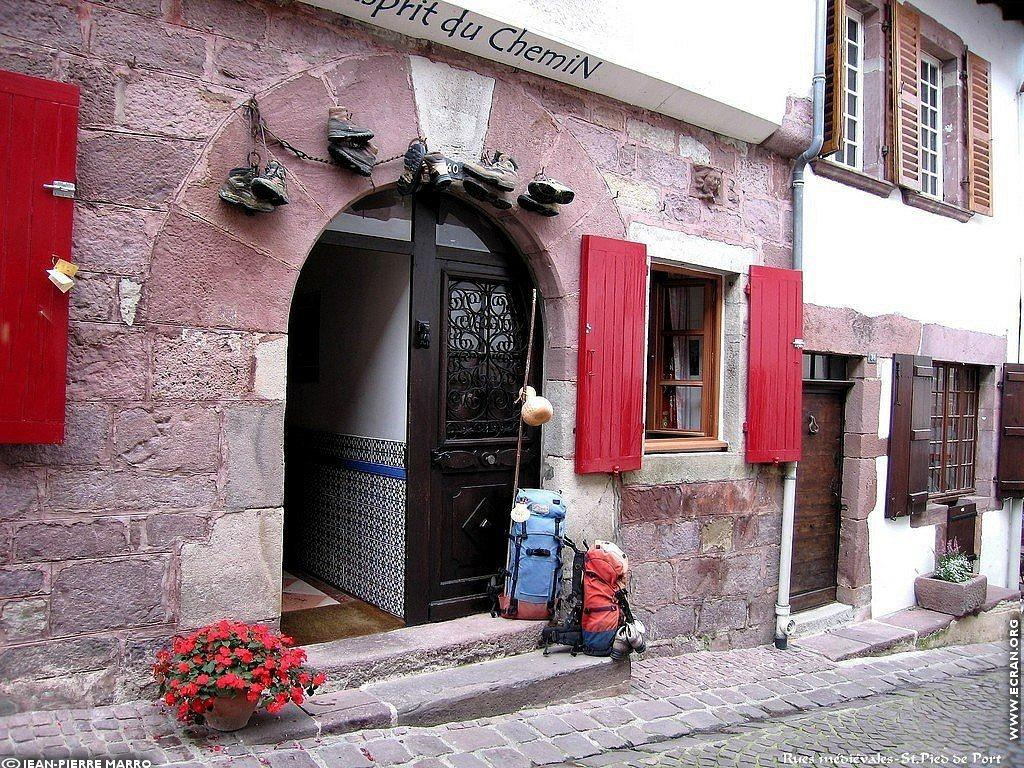 Fond d 39 cran de saint jean pied de port pays basque par jean pierre marro 0004 - Sud ouest saint jean pied de port ...